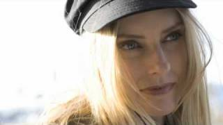 Aimee Mann - Voices Carry (Acoustic)