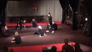 Занятие по актерскому мастерству - выполнение упражнений