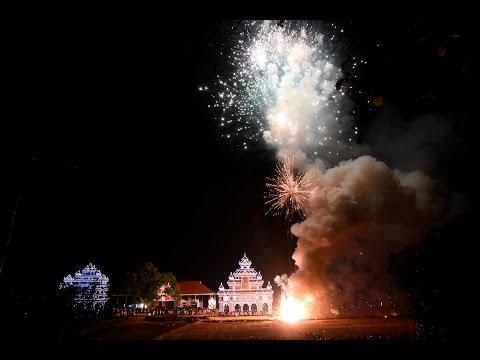 Uthralikkavu Pooram Vedikkettu 2017...