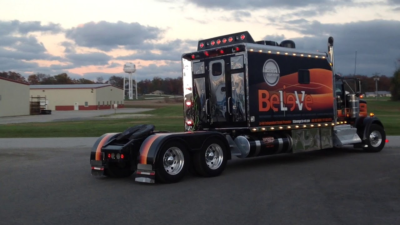 When A Rig Is Ready To Hit The Road Running Working Cl Show Trucks