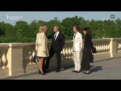 Macron Meets Putin in St. Petersburg