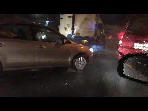 Mumbai Rains : Non stop heavy rains for the past 2 hours. Video From  aarey flyover.