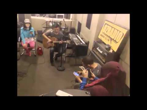 Anisa Rahma di Oz radio Bandung 19 desc 2015