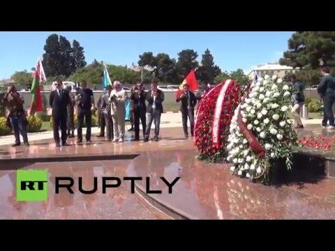 Azerbaijan: Baku residents take part in Immortal Regiment march