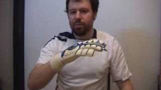 Вратарские перчатки UHLSPORT CERBERUS ABSOLUTGRIP R(, 2009-12-10T00:35:34.000Z)