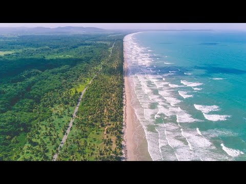 10 MILE LONG BEACH IN TRINIDAD