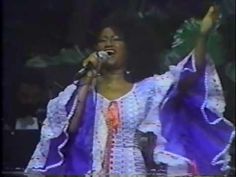 Celia Cruz con Tito Puente Puerto Rico en concierto