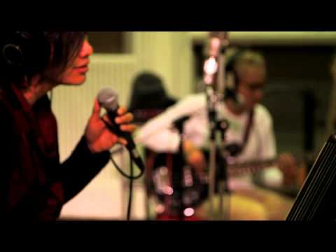 GIGI - Meja Ini  Live At Abbey Road Studio