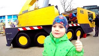 Construction vehicles at Fun Play Area for Kids Ride on Mega Crane Playmobil Pretend Play