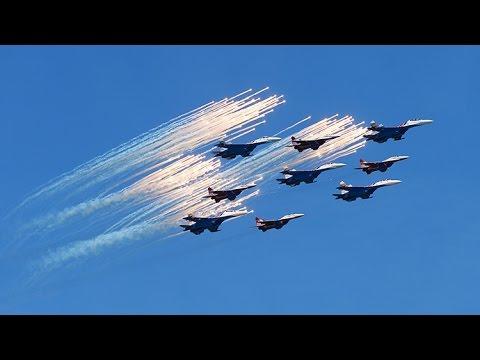 Grandioso espectáculo acrobático de la aviación rusa
