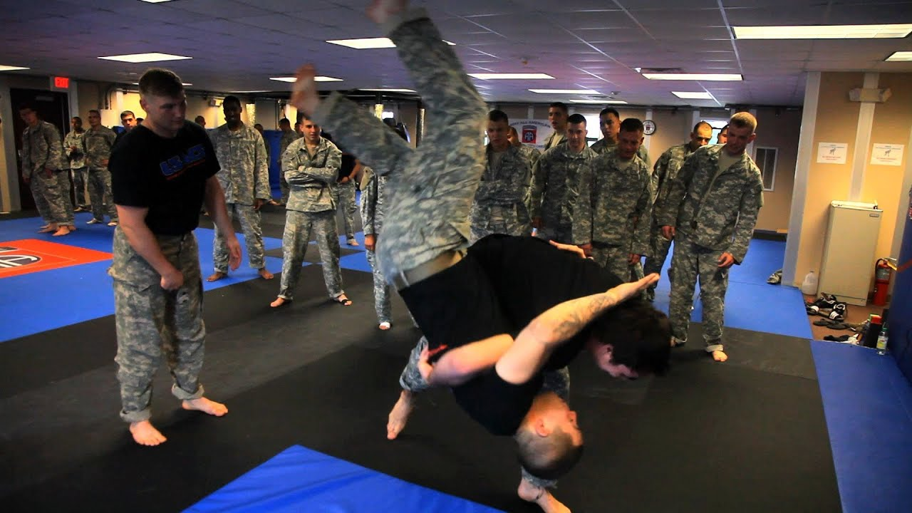 Inside the Army's 82nd Airborne Division: Hand-to-Hand ...