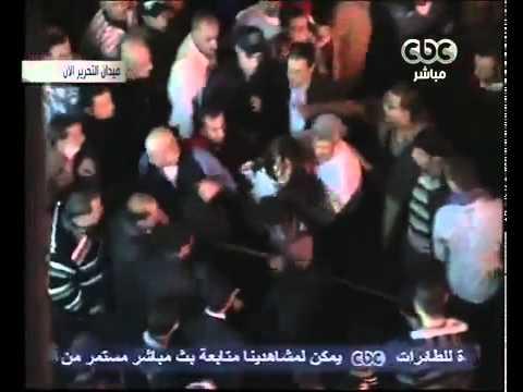 ضرب واعتداء وطرد علي علياء المهدي  من ميدان التحرير