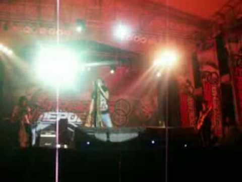 ROCKY RACOON LIVE@TRABAS MERDEKA - CEMBURU (DEDDY STANZAH)