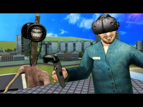 WE RAN FROM SIREN HEAD IN GMOD VR! - Garry's Mod Multiplayer Virtual Reality