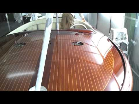 Classic boat Riva super aquarama (1969)