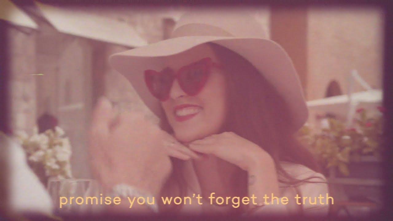 Veronica Fusaro - Beach (Acoustic) (Official Lyric Video)