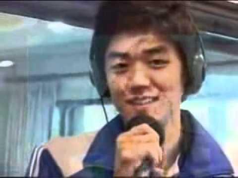 Lee Yong Dae Singing Lee Seung Gi