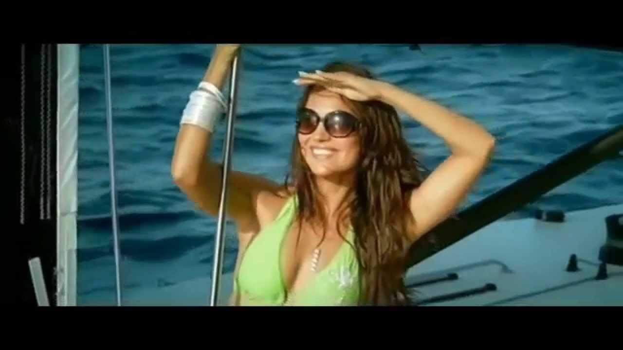 Think, Lara dutta hot bikini commit error