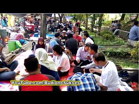 pasar-kuliner-jumat-masjid-manarul-ilmi-its