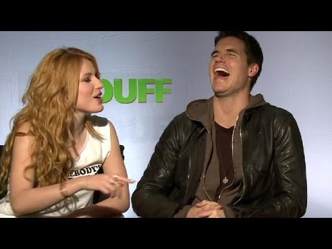 "Bella Thorne, Robbie Amell & Mae Whitman Talk ""The Duff"" Slapping | toofab"