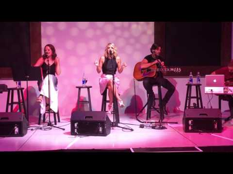 "Carrie Underwood ""Dirty Laundry"" acoustic"