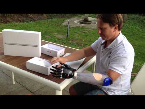 how to make a prosthetic leg out of household items