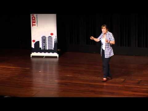 Aprendizaje/servicio: aprender haciendo un servicio a la comunidad: Roser Batlle at TEDxBarcelona
