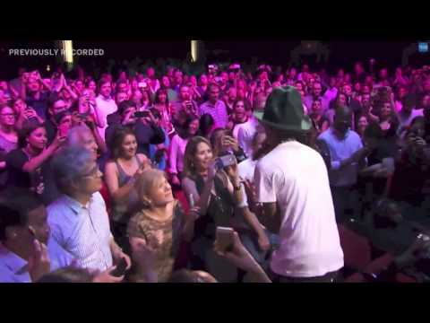 "Pharrell Williams Performs ""Happy"" Live Apollo Theater"