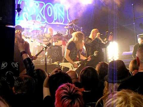 Saxon - Play It Loud (2011, Manchester)
