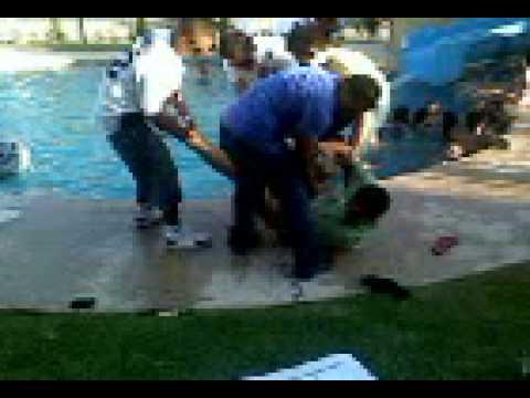 Fernando y goytia caen a la alberca en hermosillo youtube for Albercas portatiles en hermosillo