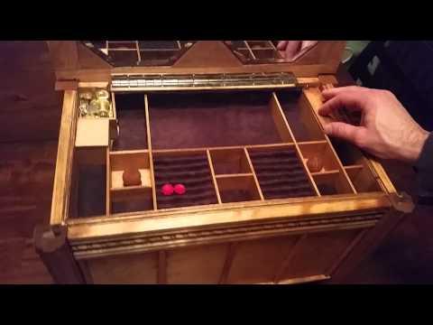 Secret keepsake jewelry  box