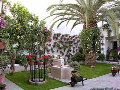 Вот так в Испании украшают внутренний дворик