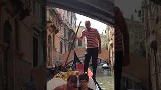 Italian Gondolier Has Low Bridge Mishap || ViralHog