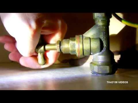 Emergency Plumbing - stopcock repair in situ