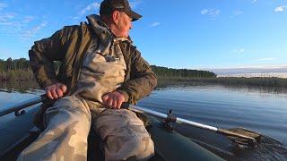 РЫБАЛКА в поисках КАРАСЯ с лодки Рыбалка летом удалась