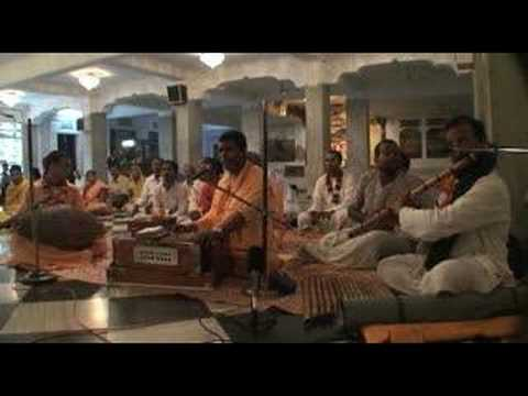 Mayapur Bhajans - Hare Krishna - 6/6