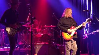 No Quarter featuring Dave Grohl and Warren Haynes