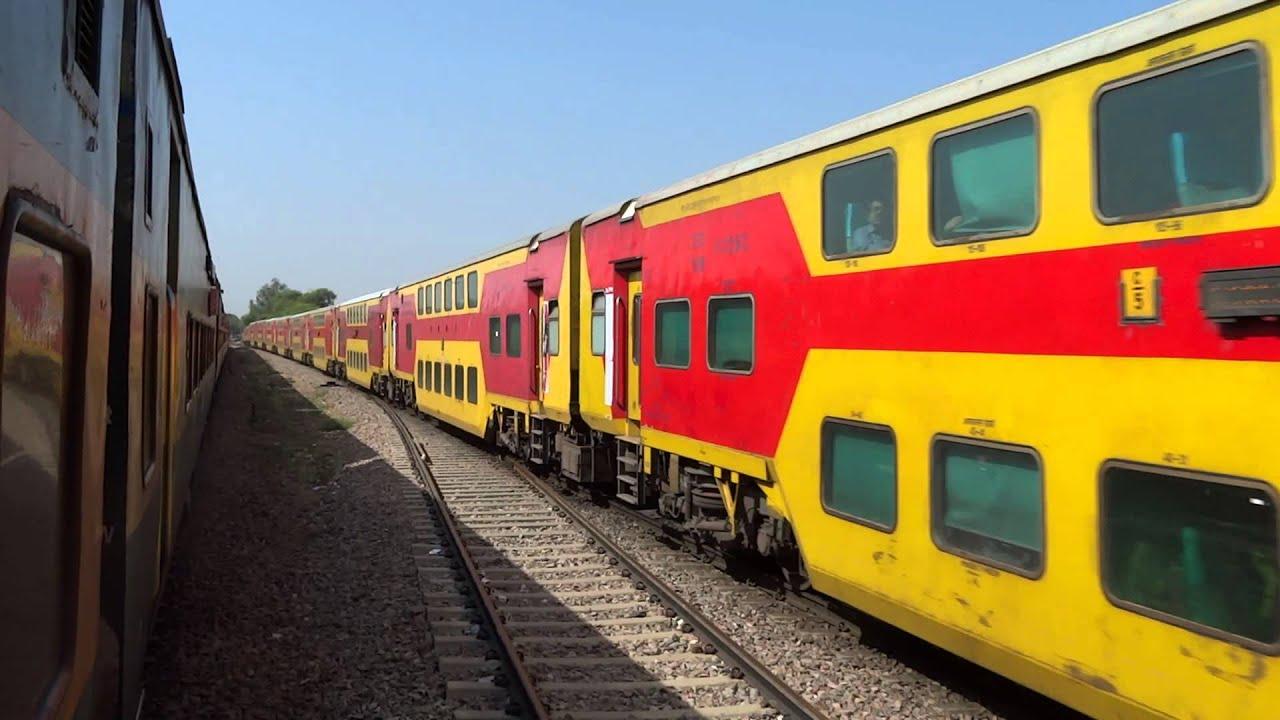 12985 Jaipur-Delhi Sarai Rohilla AC Double Decker Express