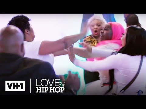 Tokyo, Light Skin Keisha & Spice Throw Hands w/ Akbar 👊 Love & Hip Hop: Atlanta