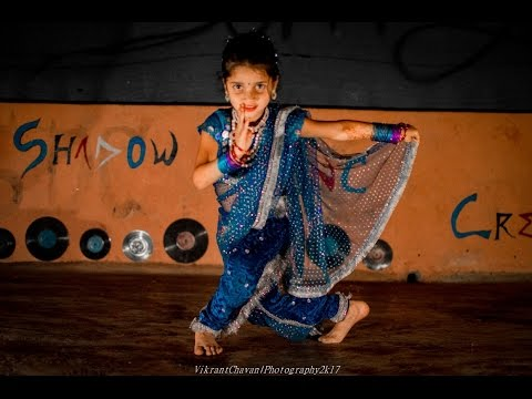 Lavani Dance By  Divya Hindurao small girl Choreograph By Sunny Hindurao