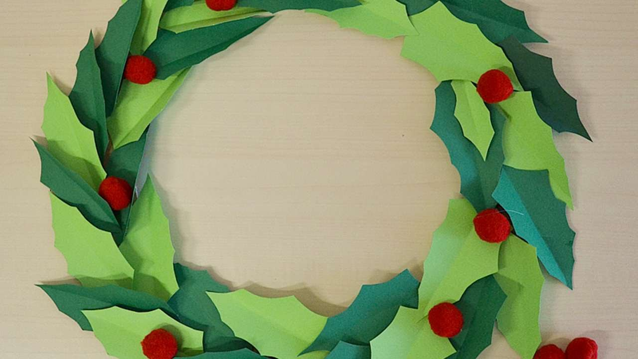 Paper Christmas Wreath Designs.How To Make A Paper Christmas Wreath Diy Crafts Tutorial Guidecentral