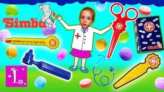 ДЕТИ ИГРАЮТ В ДОКТОРА Играем в доктора с новым набором доктора Simba / Simba Doctor's Playset