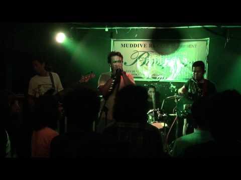 Download lagu gratis Flossy in Tribute to Butterfingers Penang : Moksha di ZingLagu.Com