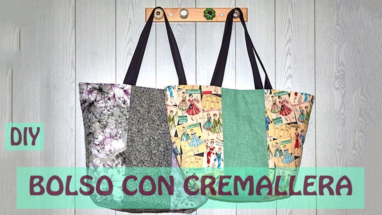 0060bbd91f1 Cómo hacer un bolso de tela con cremallera - YouTube
