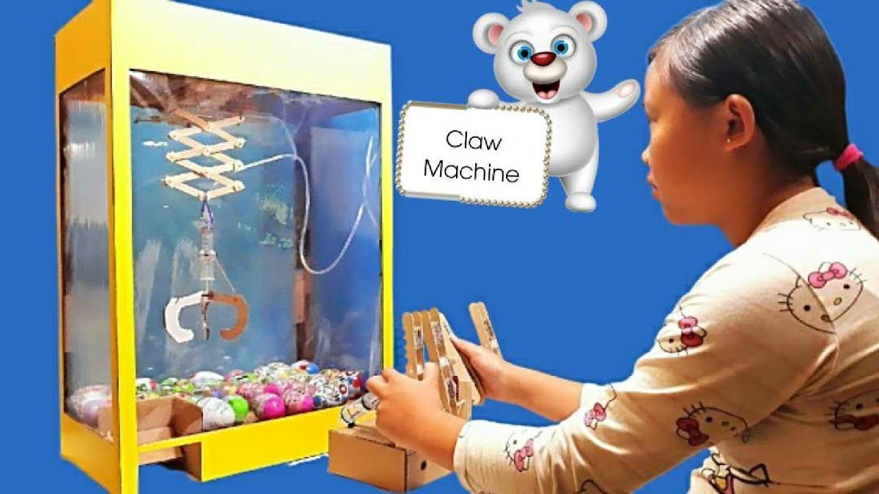Download How to Make Hydraulic Powered Claw Machine from Cardboard,you can make it at home