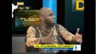 Kemi Seba  parle de Rothschild et des  visites de Hollande en Afrique