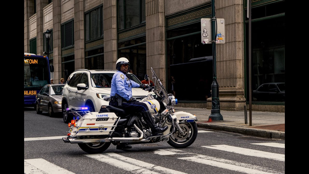 Let's talk about Police officers who support the Constitution and those who don't