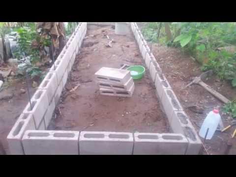 Elaboraci n de estanque para tilapias 2 youtube for Fabricacion de estanques