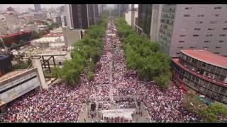 Encabeza AMLO Marcha del Silencio en Defensa de los Maestros de México