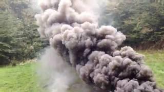 Військова димова шашка в дії. Просто афигеть!!!